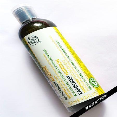 Fotografía - L'examen de l'humidité de shampooing atelier de carrosserie de la forêt tropicale