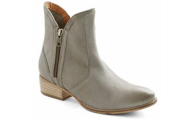 lucky-sou-boot-en-rivière-rock