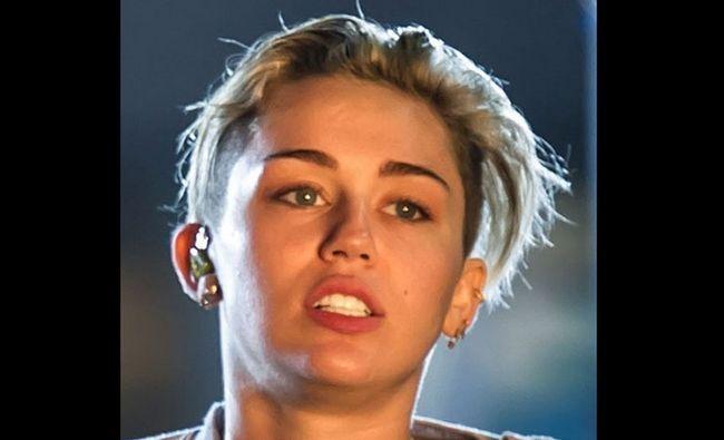 Fotografía - Miley Cyrus sans maquillage