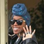 Kelly Rowland-uk-tête-wrap-bleu-400x295