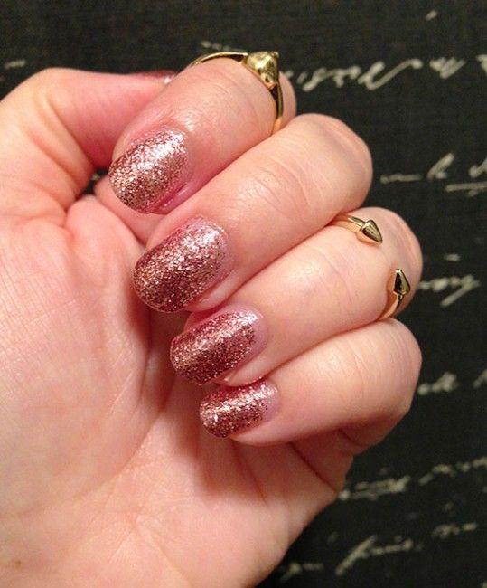 Fotografía - NOTD: Mineral Fusion Shimmering Shale Glitter Nail Polish